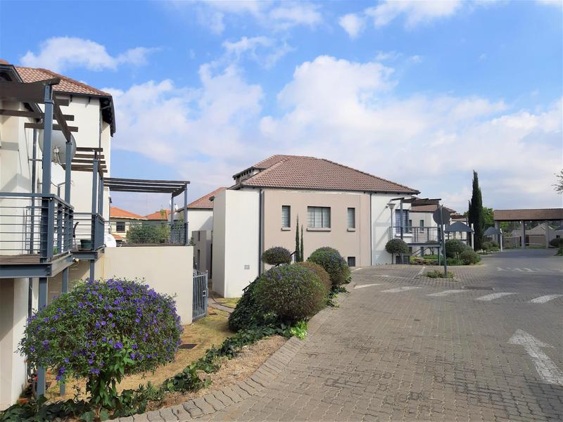 Property For Sale in Douglasdale, Sandton 4