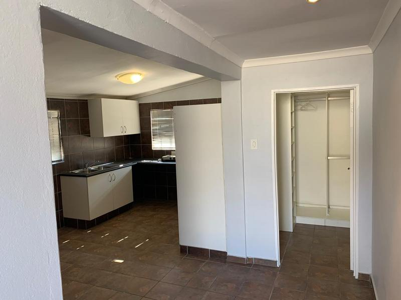 Property For Rent in Glenferness, Midrand 5