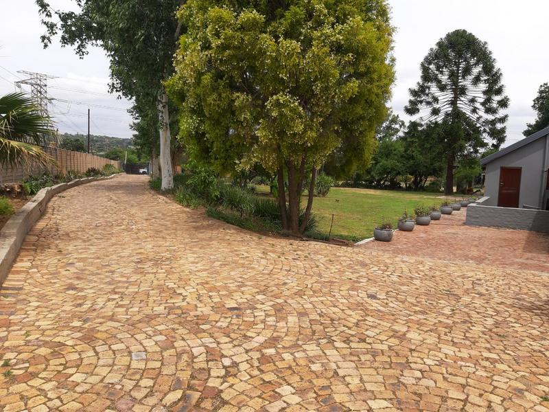 Property For Sale in Glenferness, Midrand 4